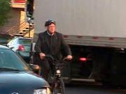 Мэр Монреаля Жеральд Трембле на своем велосипеде